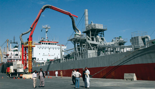 Van Aalst supplied the shipunloader for Lucky's terminal in Karachi